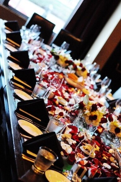 Amazing The Pros-wedding Decor-table-flower Petals 390 x 587 · 104 kB · jpeg